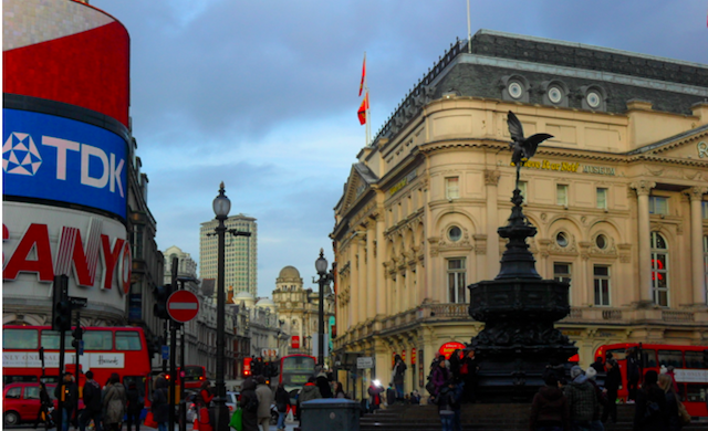 Picadilly Circus_Londres