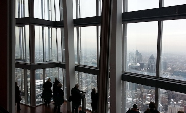 Entre 68 e 72 andares - the view from The Shard.