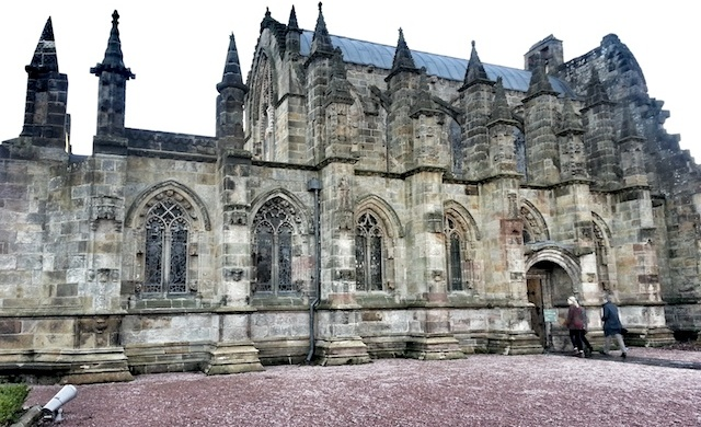 Rosslyn Chapel - Lateral